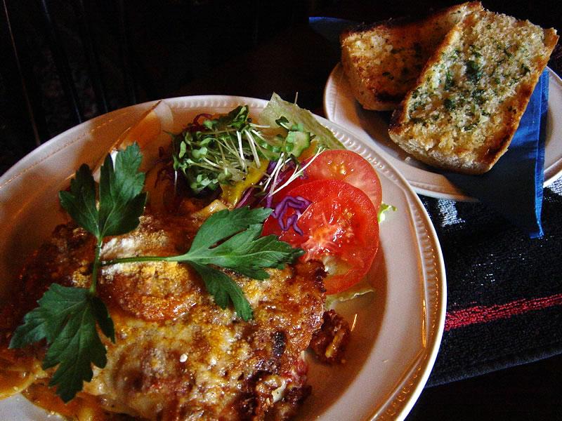 Old Crown Weybridge Pub Food Freshly Prepared