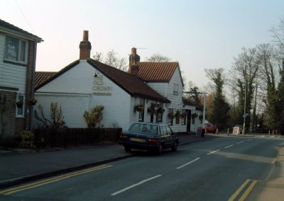 Old Crown Pub Weybridge - approaching from town centre