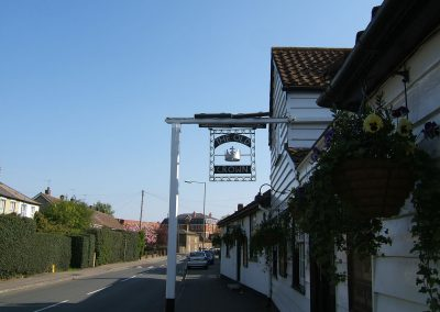 Weybridge Surrey Riverside Pub - Old Crown