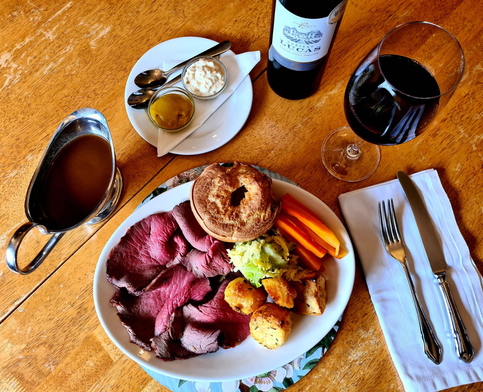 Roast Beef Meal - Old Crown Pub Weybridge